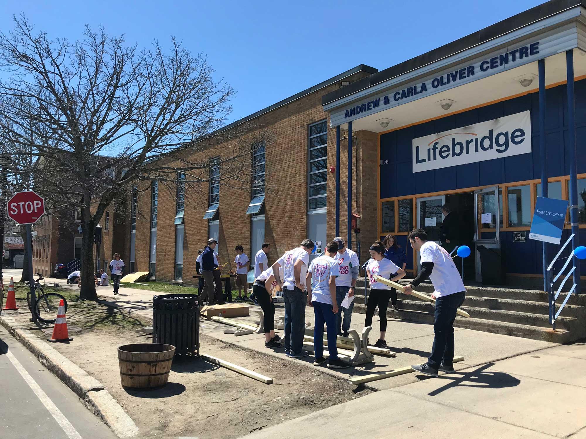 Lifebridge volunteers exterior