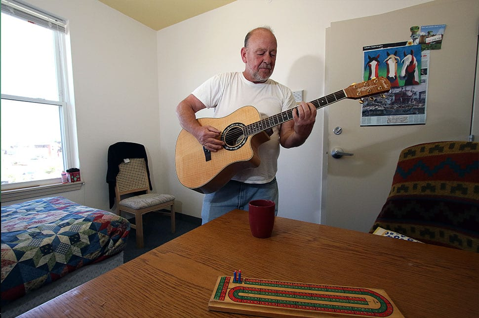 Guitar playing for supportive programs